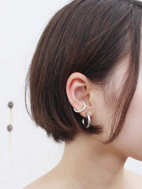 CAREERING - PLACEBO 501 × EAR CUFF 303